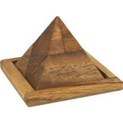 Louvre piramis fa ördöglakat Riviera Games